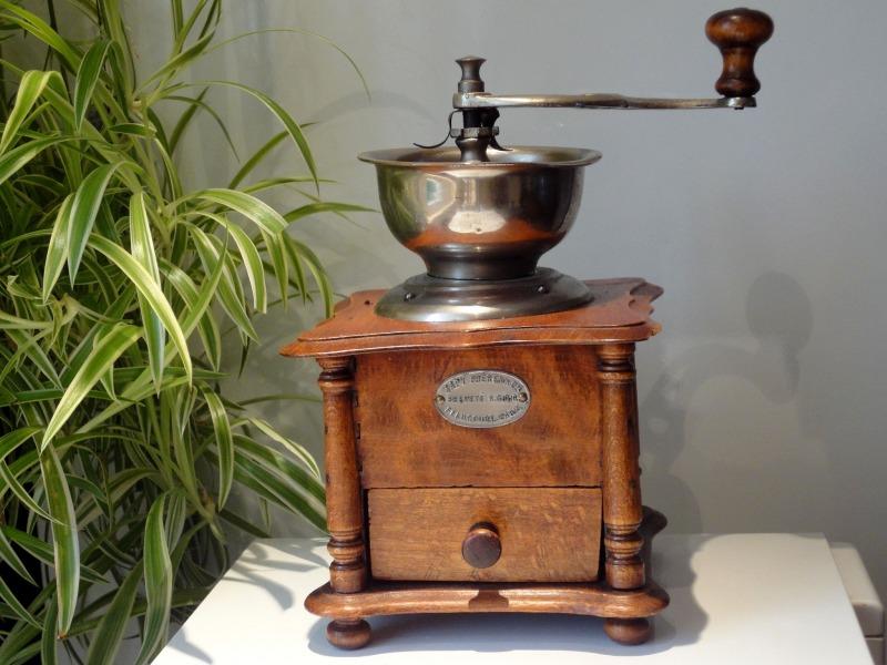 Objets anciens brocante d coration cadeaux objets vendus par tr sors de c - Moulins a cafe anciens ...